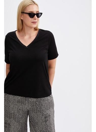 DeFacto V Yaka Kısa Kollu T-Shirt Siyah